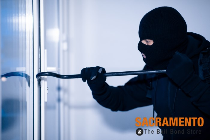 What's the Difference Between Burglary and Robbery